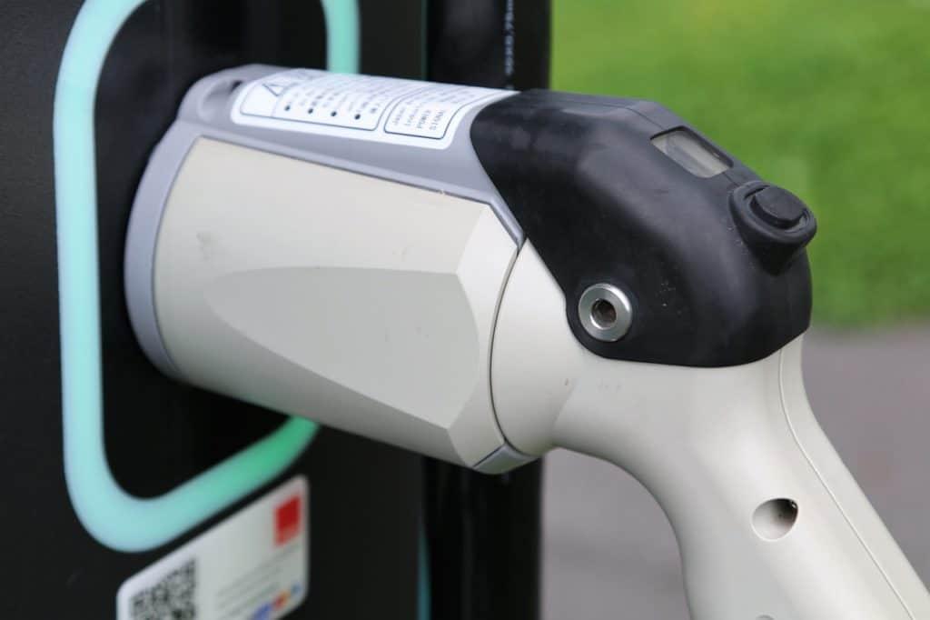 instalar-cargador-coche-electrico-elecnor